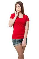 Женская футболка с коротким рукавом красная.