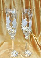 """Свадебные бокалы """" Голуби"""" с бежевыми розами"""