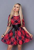Женское платье с поясом из кожзама в модный принт
