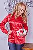 Атласная блуза с брошью на воротнике в расцветках