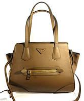 Брендовая кожаная сумка, саквояж женский Prada бежевый