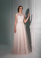 Блестящее вечернее платье с превосходной прозрачной спинкой и кукольным бантом