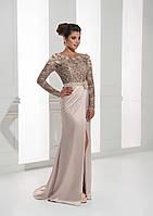 Восхитительное вечернее платье с изумительным декольте на спине, украшено цветочной аппликацией