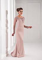 Милейшее вечернее платье с длинными утонченными рукавами, украшенное миллионами изящных камней
