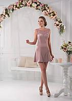 Превосходное короткое вечернее платье с ажурным лифом и изящным вырезом на спинкеПревосходное короткое вечерне