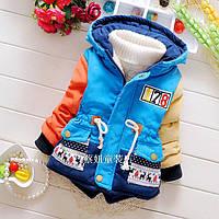 Яркая весенняя куртка для мальчика