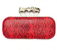 Женская сумка клатч вечерний 76 под рептилию с кастетом красного цвета