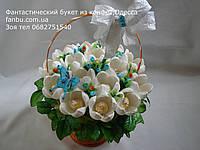 """Букет из конфет""""Милая леди,белые крокусы с голубыми ягодами""""№15"""