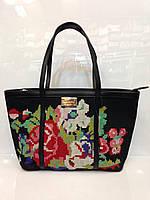 Женская сумка классическая 324 из кожзама принт вышитый крестиком черная