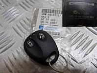 Брелок, пульт, устройство дистанционного управления центральным замком OPEL VECTRA-B до 1997 года FRONTERA-A после 1997года 1239015 General Motors