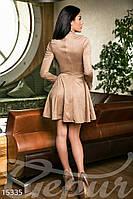 Трендовое замшевое женское платье с расклешенной юбкой и воротником под горлышко рукав длинный