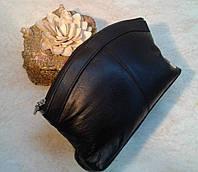 Большая,качественная косметичка ,кожаная Swan,черная.
