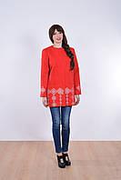 Удобное кашемировое пальто в красном цвете украшено геометрической вышивкой