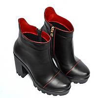 Женские ботинки кожаные на байке с отделкой красной строчкой, черная/красная кожа.