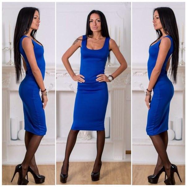 Приталенные платья ниже колен с