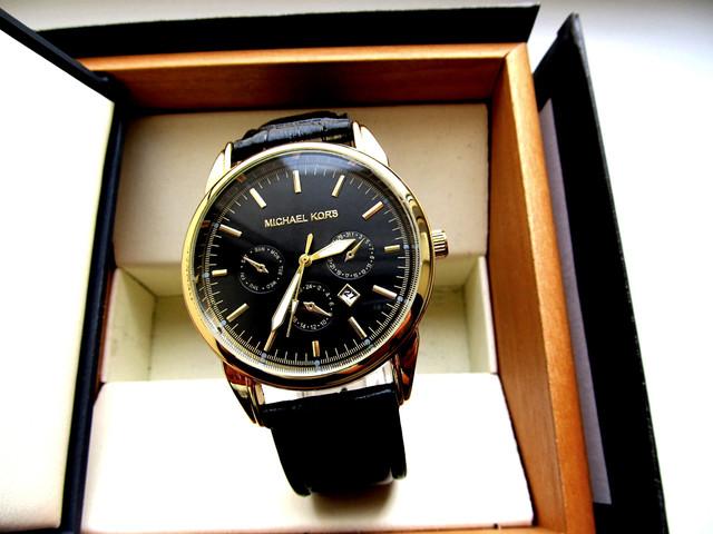 красивые часы мужские наручные недорого приведёт