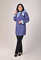 Превосходная демисезонная женская куртка с современным креативным решением капюшона