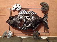 Рыба любопытная - изделие из металла.
