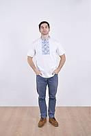 Нарядная мужская футболка вышиванка с синим орнаментом в традиционном стиле