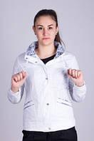 Женская ветровка белая Janika №526.