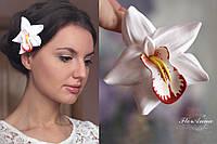 """""""Белая орхидея с росписью"""" заколка для волос цветок из полимерной глиной ручной работы"""