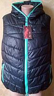 Женская жилетка с капюшоном больших размеров