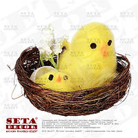 Пасхальный декор Жёлтые цыплята в гнезде