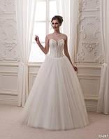 Пышное свадебное платье с оригинальным корсетом