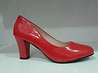 Туфли женские красные на каблуке.р.36,38,40.