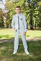 Модный трикотажный спортивный костюм для мальчика | Светло-серый