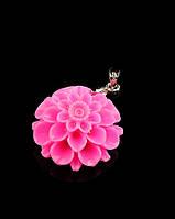 Розовый кулон из полимерной глины Цветок