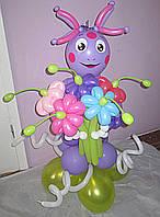 Фигура Лунтик из мультфильма с букетом из воздушных шариков на День рождения