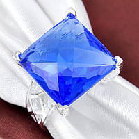 Кольцо для лэди,синий топаз,ручной работы серебра 925 пр.18,19р