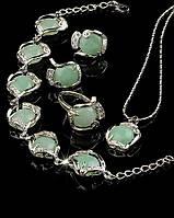 Женские украшения на подарок из нефрита