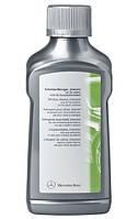 Очиститель-полироль для стекол Mercedes-Benz Windscreen Cleaner Extreme (250 ml)