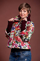 Женская короткая весенняя куртка с цветочным принтом