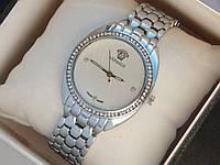 Женские кварцевые наручные часы Versace на металлическом ремешке со стразами