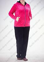 Велюровый однотонный спортивный костюм розовый