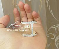 Стильное кольцо из серебра с камнями