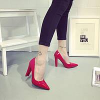 Лаковые туфли на удобном каблуке, в расцветке