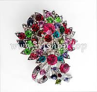 Разноцветная брошь со стразами под серебро в форме букета цветов