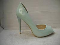 Женские классические туфли-лодочки с открытым носом голубой красный и бежевый лак