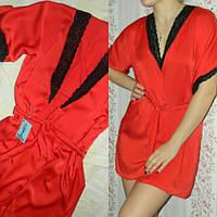 Женский домашний халат из шелка красный с кружевом черного цвета