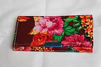 Яркий женский кошелек с кожзама с цветами