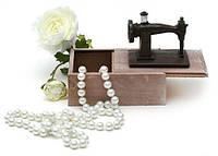 Маленькая шкатулка для рукоделия Швейная машинка