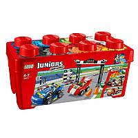 LEGO® Juniors РАЛЛИ НА ГОНОЧНЫХ АВТОМОБИЛЯХ