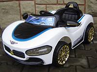 Детский электромобиль CABRIO Ма белого цвета и с LED подсветкой и пультом управления