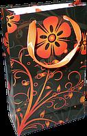 Подарочный пакет с флористической графикой