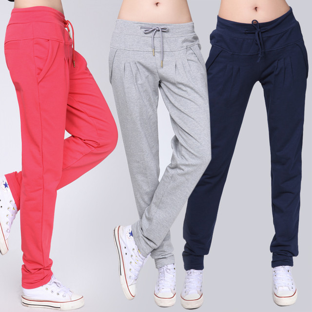 Модные женские спортивные штаны