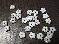 Полужемчуг цветочек 25шт